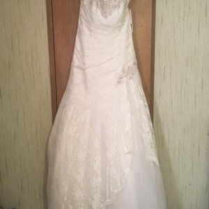 David's Bridal size 8 dress with all accessories